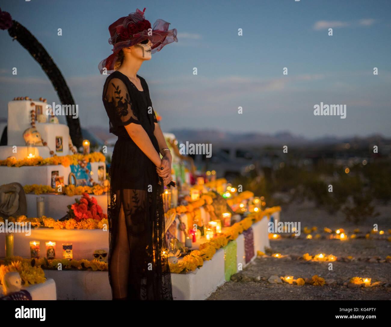 Feier der Dia de los Muertos, der Tag der Toten in Terlingua, einem ehemaligen Geisterstadt an der Grenze zu Mexiko Stockbild