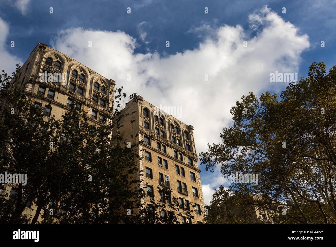 Apartment Gebäude am Riverside Drive und 157 Street in New York City. Stockbild