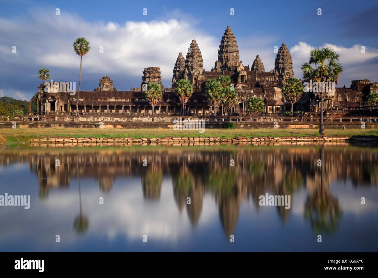 Eine lange Aufnahme von Angkor Wat, Kambodscha Stockbild