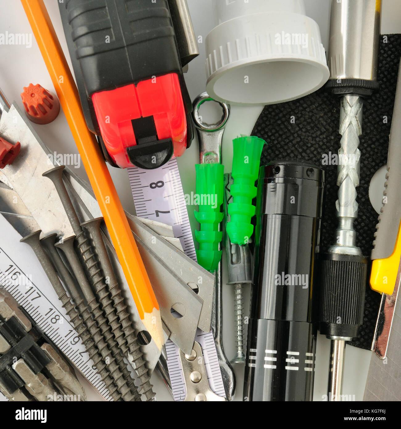 Sammlung-Tools auf weißem Hintergrund Stockfoto