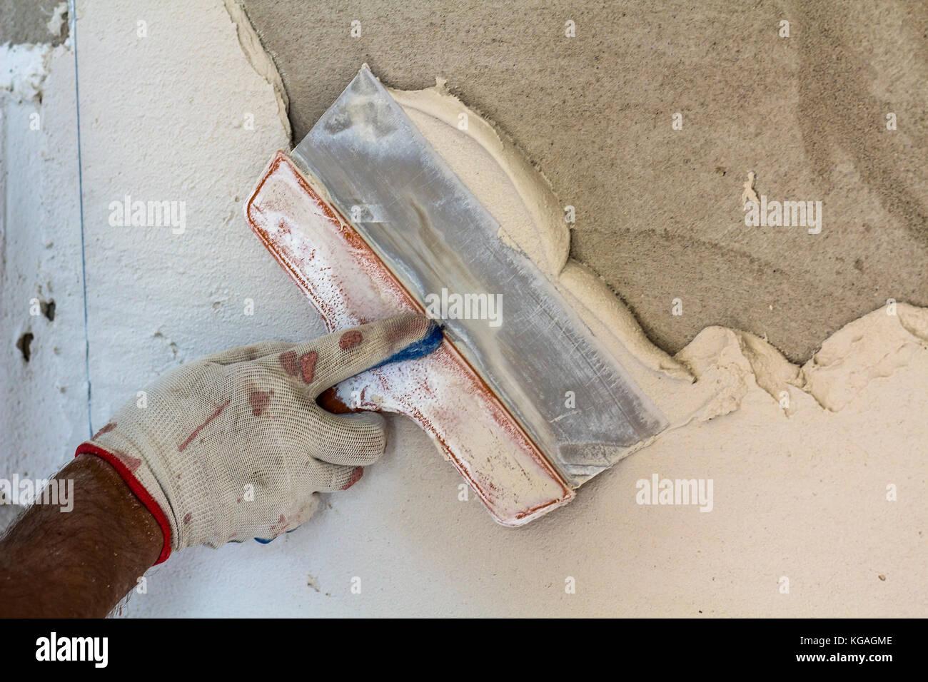 Lieblich Renovierung Arbeitnehmer Hand Verputzen Der Wand