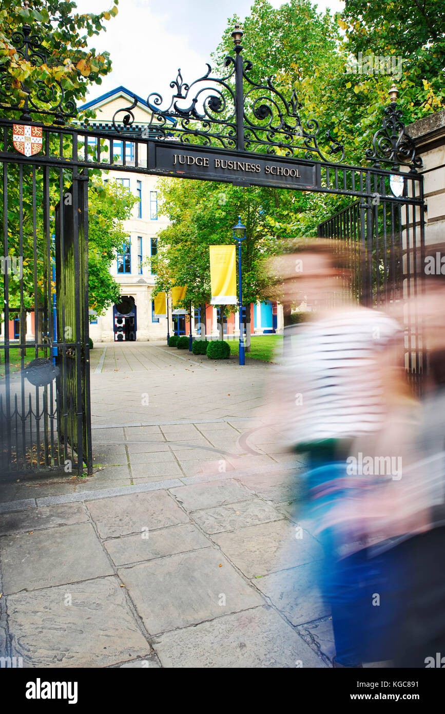 School Gates Stockfotos & School Gates Bilder - Alamy