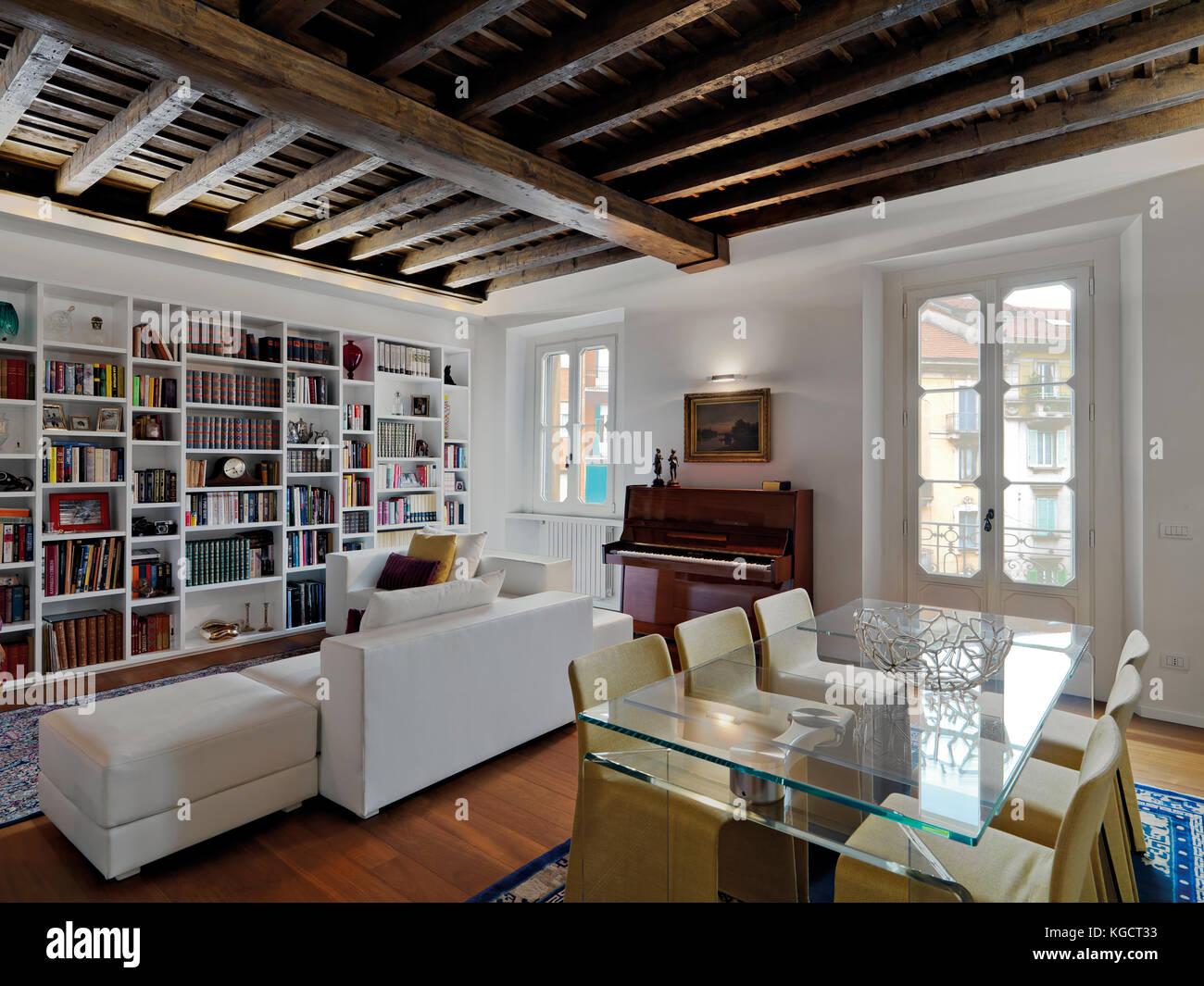 Interieur Aufnahmen von einem modernen Wohnzimmer mit Klavier und ...