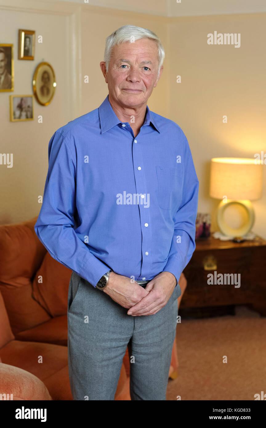 Frank Holden ist der entfremdeten Vater von Amanda Holden, Richter auf erhielt das britische Talent. Amanda wirft Stockbild