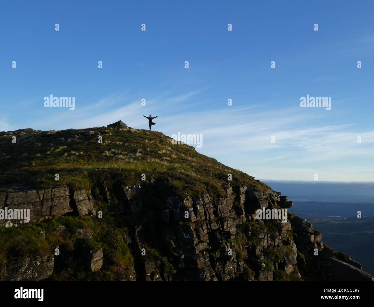 Wild Camp in der Nähe der Gipfel der Berg suilven, Sutherland, Schottland Stockbild