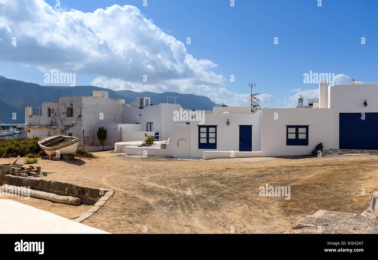 Anzeigen von Caleta de Sebo in Insel La Graciosa, Kanarische Inseln, Spanien Stockbild