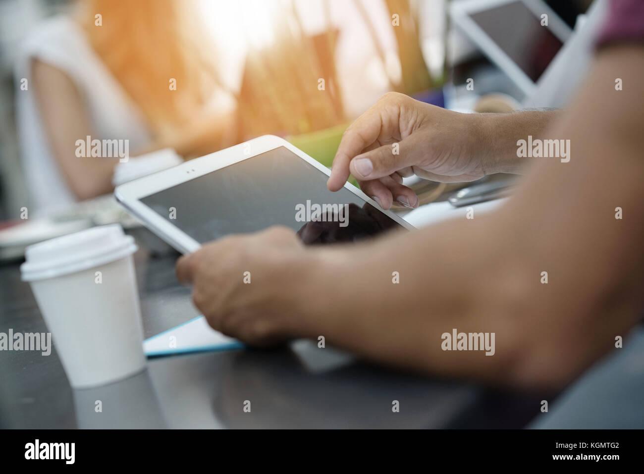 Nahaufnahme der digitalen tablet Bildschirm Stockbild