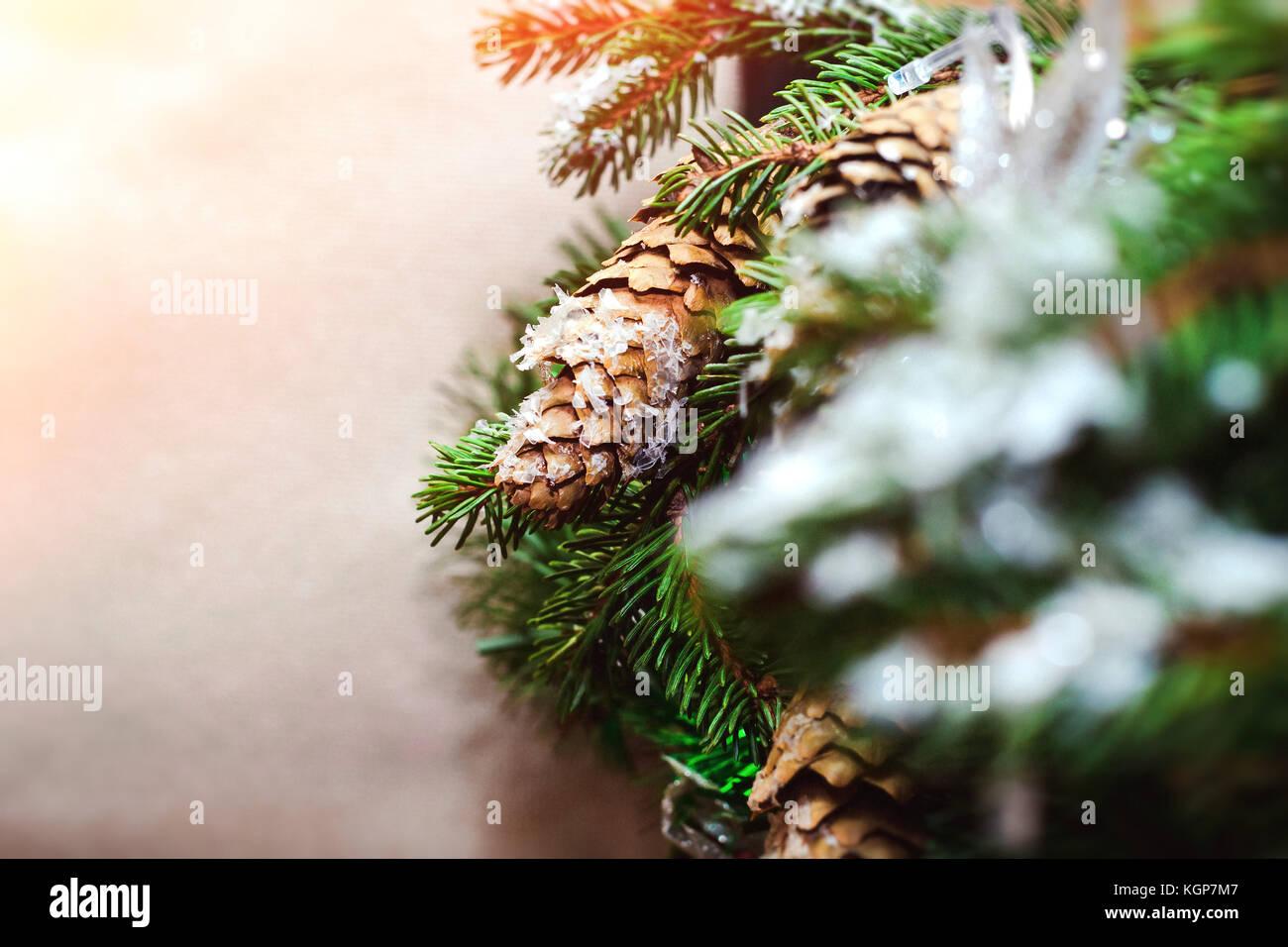 wreath hanging stockfotos wreath hanging bilder seite 5 alamy. Black Bedroom Furniture Sets. Home Design Ideas