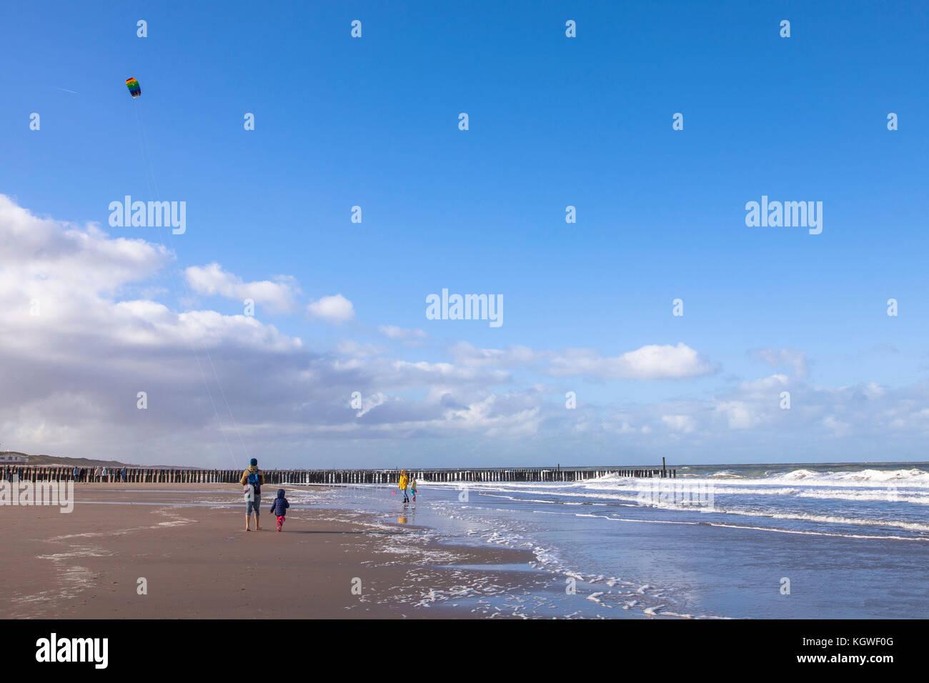 NiederlandeZeelandAm NiederlandeZeelandAm Strand Oostkapelle Und Strand Und Oostkapelle Zwischen Strand NiederlandeZeelandAm Zwischen oBeCWdxr