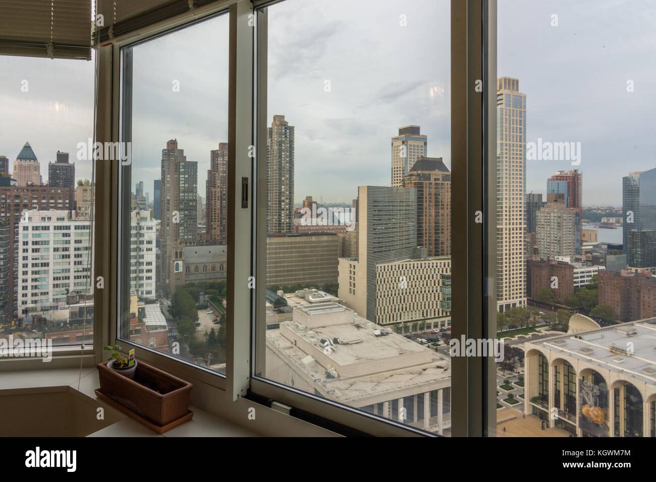 New York High Rise Sunrise Stockfotos & New York High Rise Sunrise ...