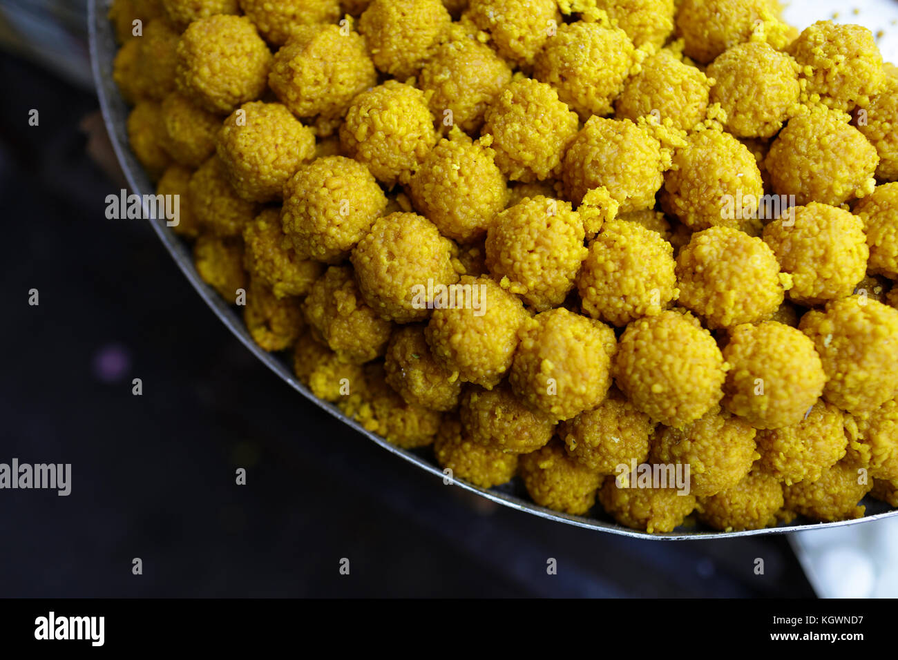 Traditional Indian Sweets Stockfotos & Traditional Indian Sweets ...