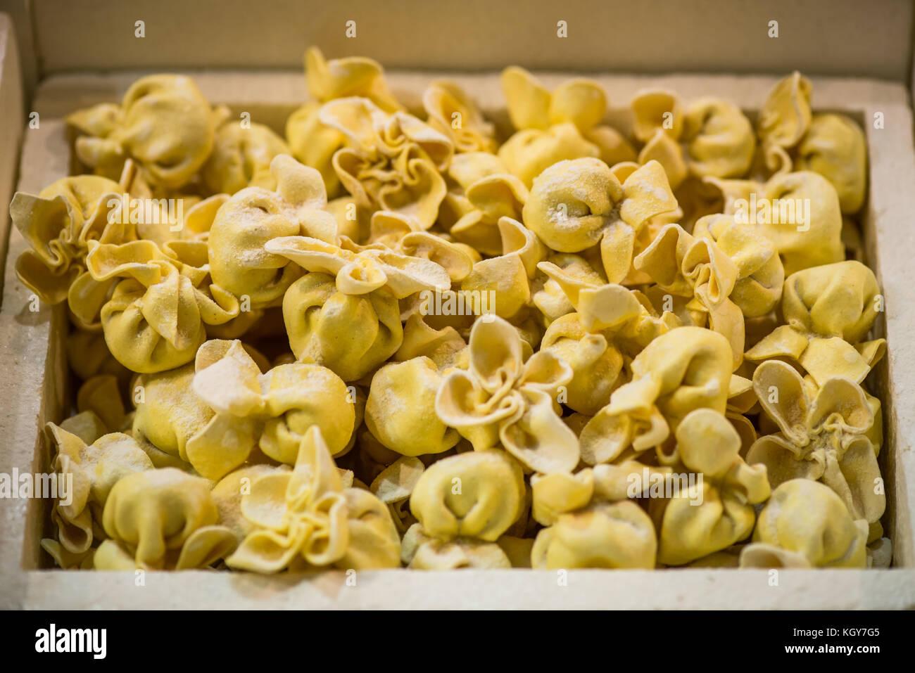 Italienische gefroren ravioli Pasta - zubereitete Speisen Zutaten Stockbild