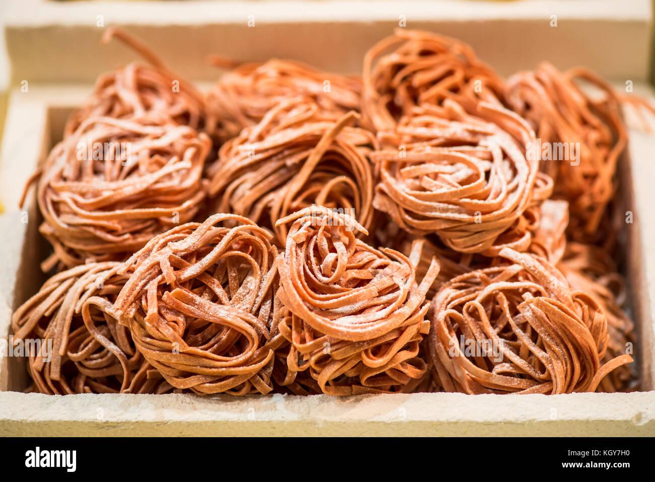 Italienische gefroren linguine Pasta - zubereitete Speisen Zutaten Stockbild