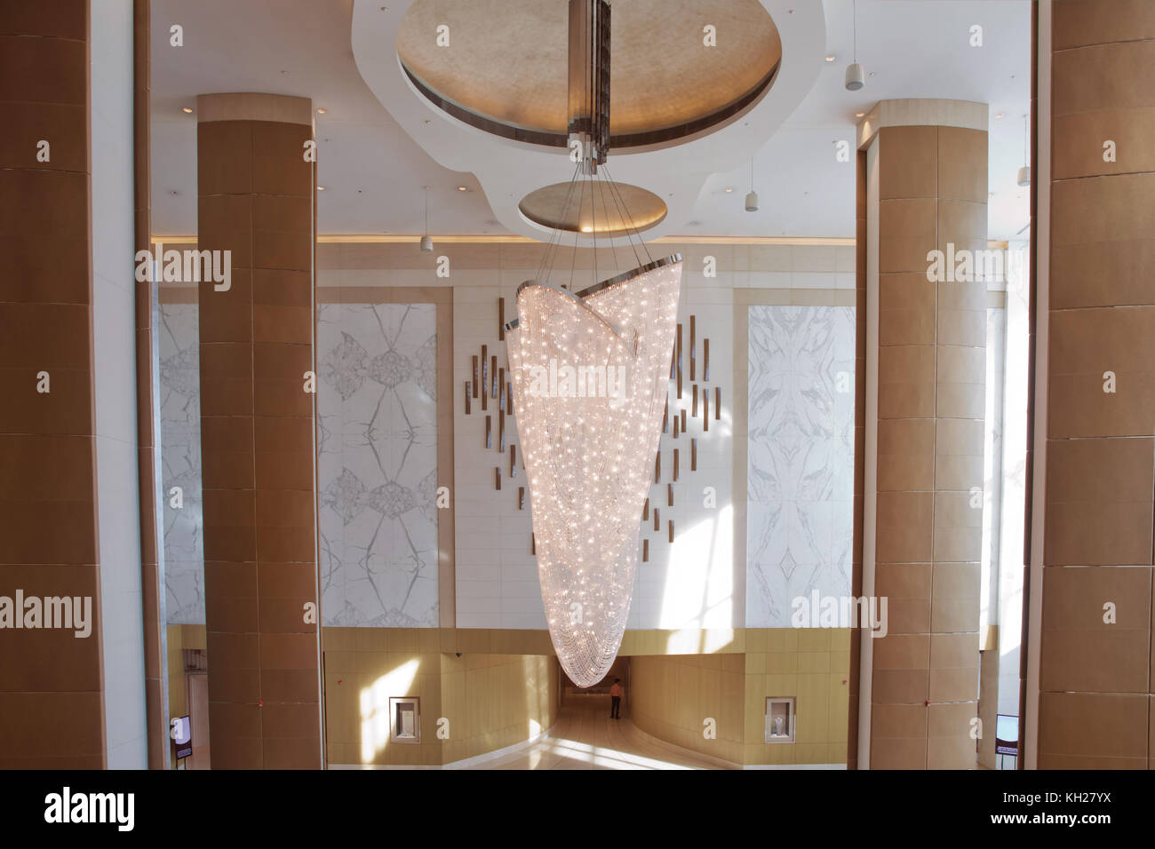 Kristalle Für Kronleuchter ~ Swarovski kristalle der kronleuchter schmücken. luxus alten