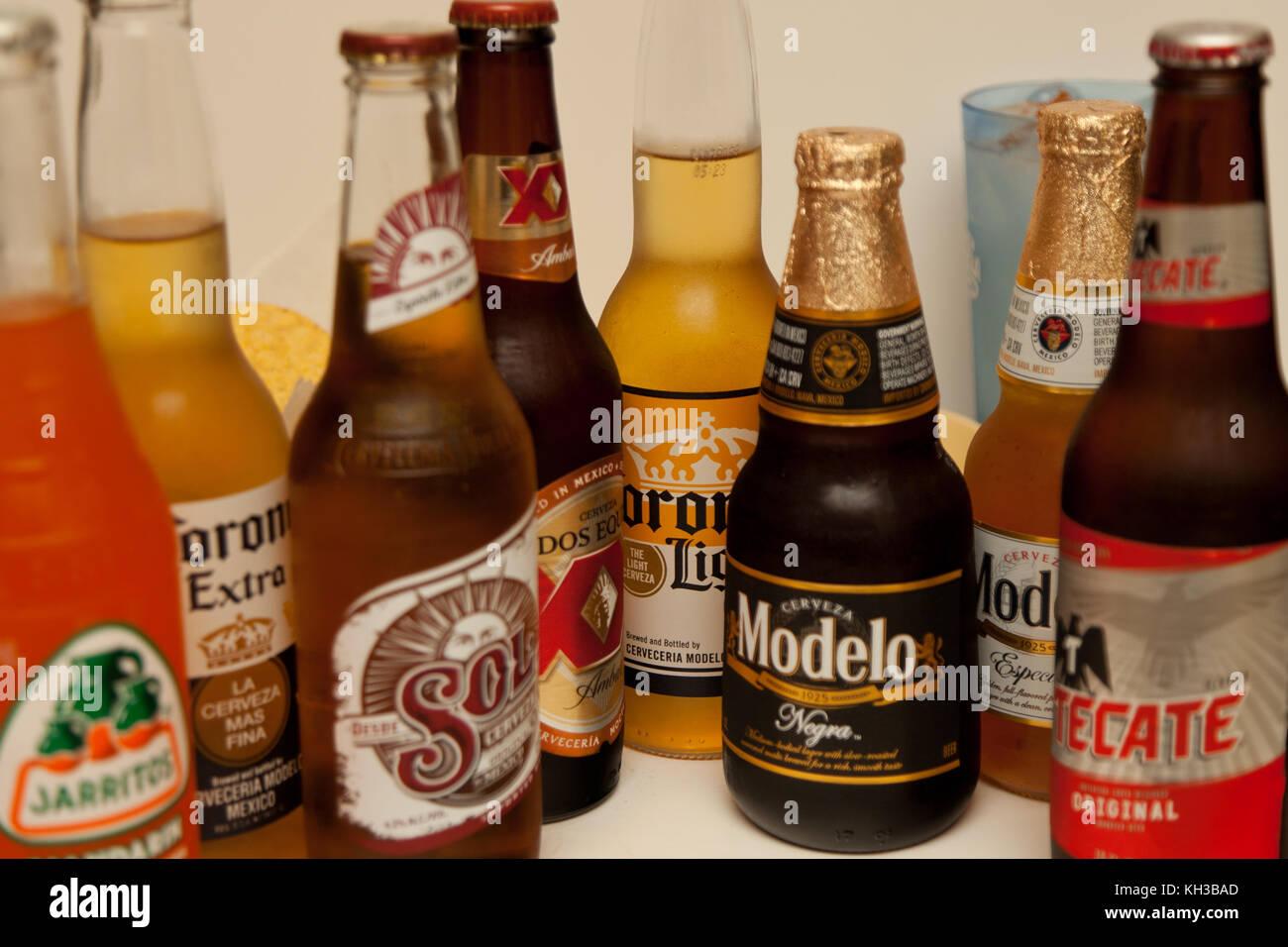 Auswahl an mexikanischen Getränke Stockfoto, Bild: 165417237 - Alamy