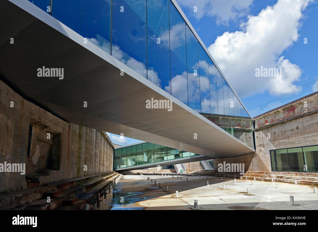 Die u-bahn Dänische Maritime Museum, M/S Museet für Søfart, rund um eine alte Trockendock gebaut. Helsingor/Helsingør in Dänemark. Architekt Bjarke Ingels BIG Stockfoto