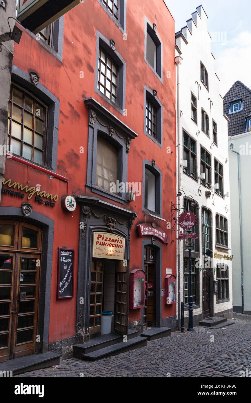 k ln deutschland 17 september 2017 restaurants auf salzgasse street im stadtzentrum von. Black Bedroom Furniture Sets. Home Design Ideas