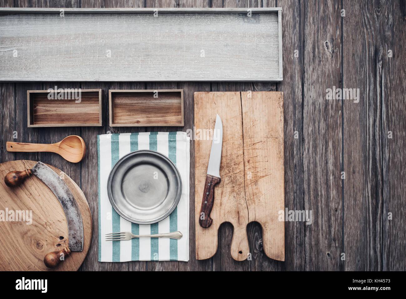 Rustikale Vintage Kuche Holz Arbeitsplatte Mit Geschirr Alte