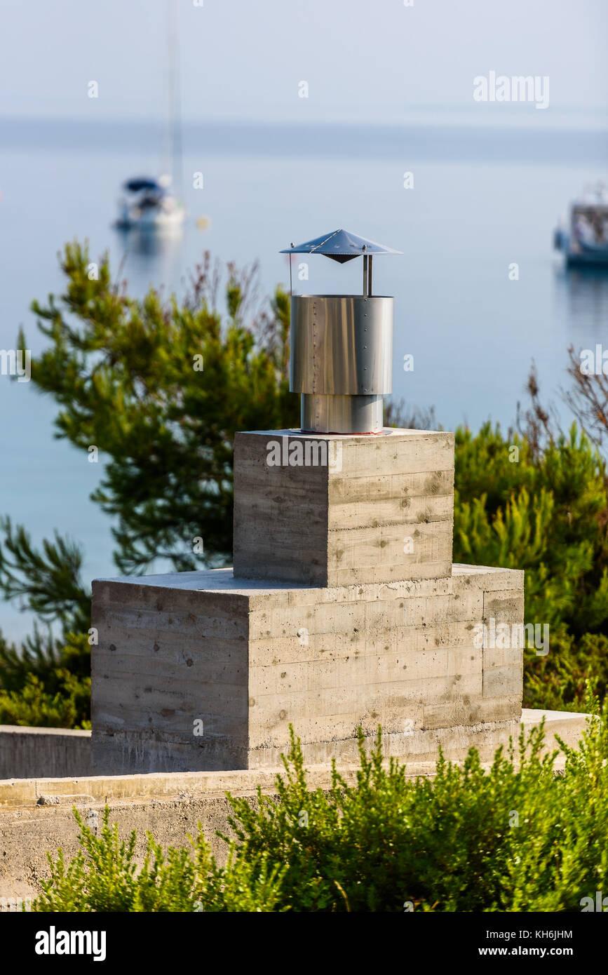 Moderner Kamin Grill Kamin Mit Blick Auf Das Meer Und Die Boote In