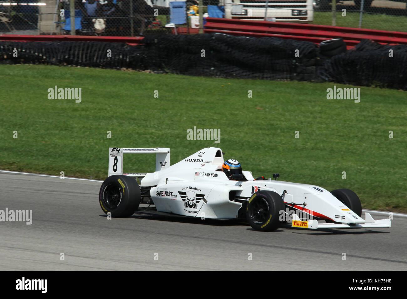 Kyle Kirkwood. Auto 8. Sponsor Kap Motorsport. Formel 4 Rennen. Mid-Ohio Sports Car Course. Lexington, Mansfield, Stockbild