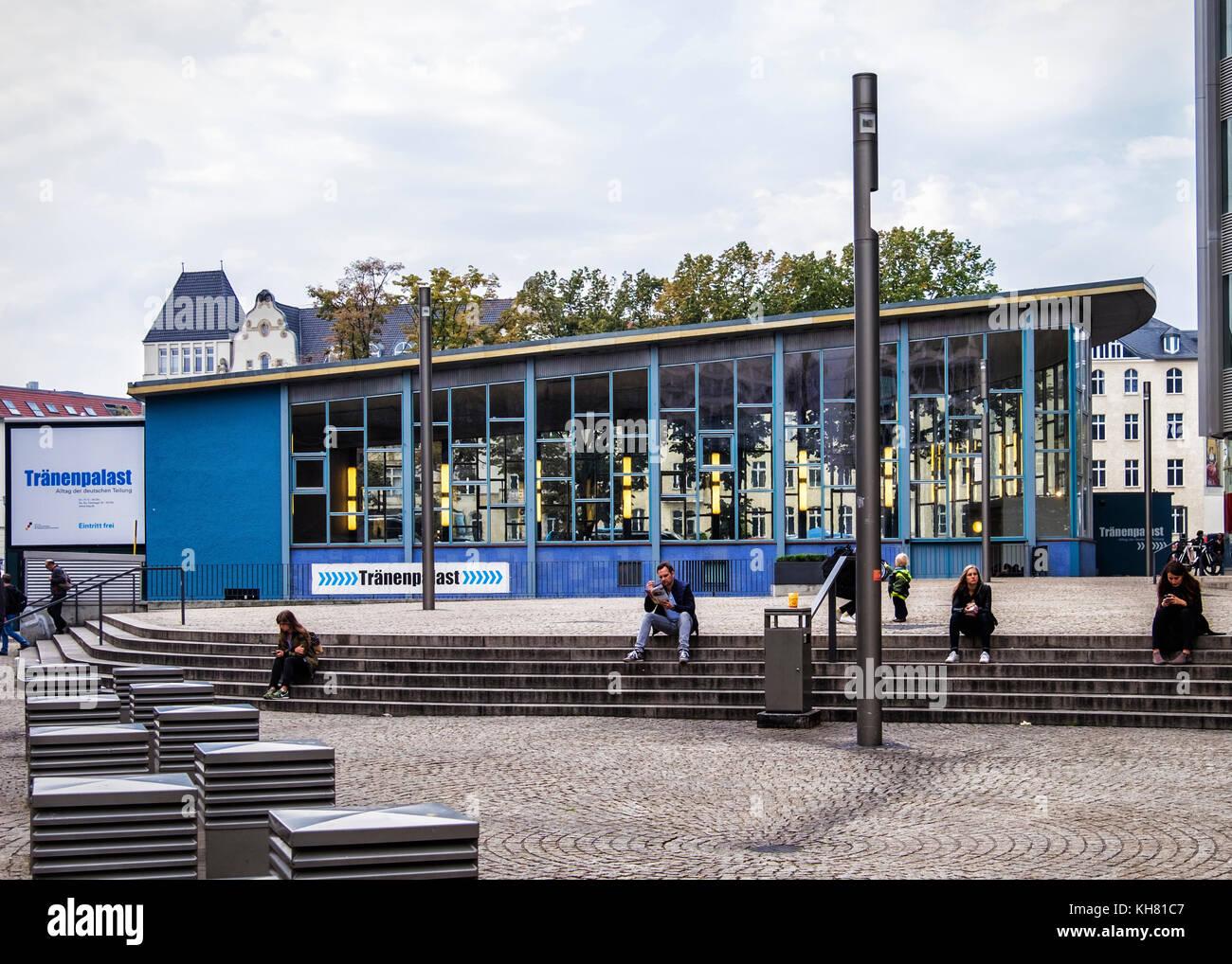 Berlin, Mitte. Tränenpalast, Palast der Tränen. Ausstellung und Museum erzählt von Grenzerfahrungen Stockbild