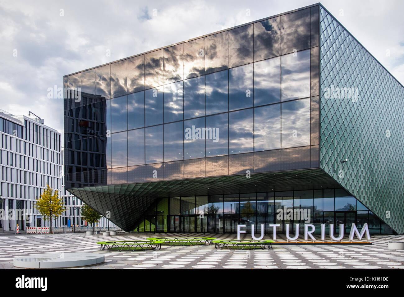 berlin der futurium zentrum f r die zukunft moderne geb ude aus glas die von architekten. Black Bedroom Furniture Sets. Home Design Ideas