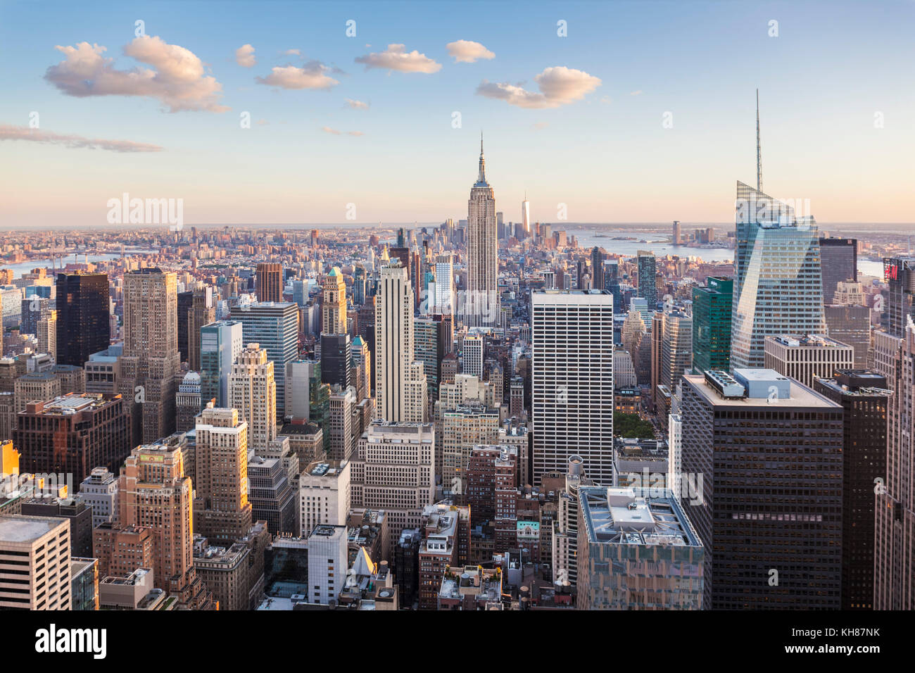 Blick auf die Skyline von Manhattan, New York Skyline, das Empire State Building, New York City, Vereinigte Staaten Stockbild