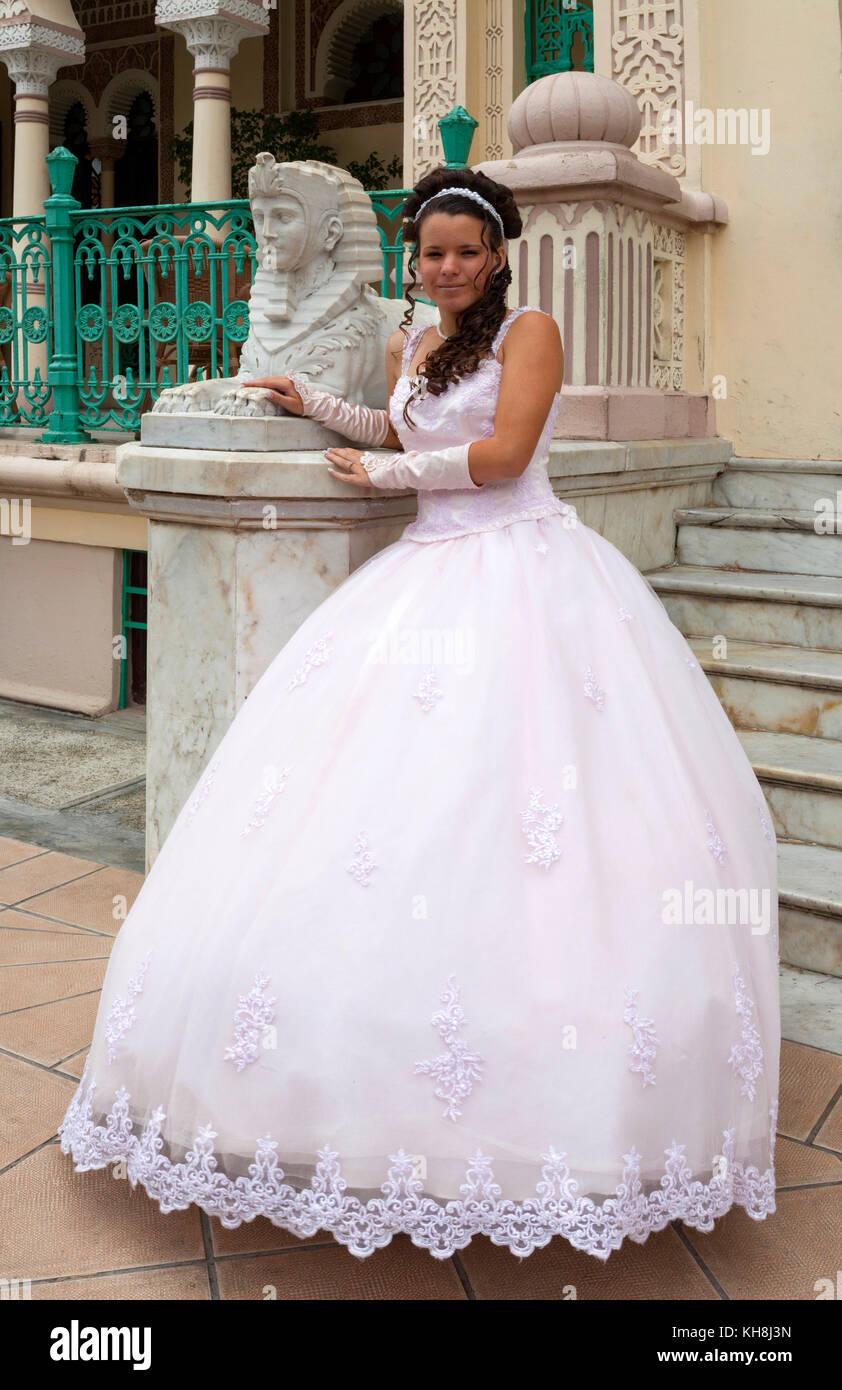 Hochzeitskleid Stockfotos & Hochzeitskleid Bilder - Alamy