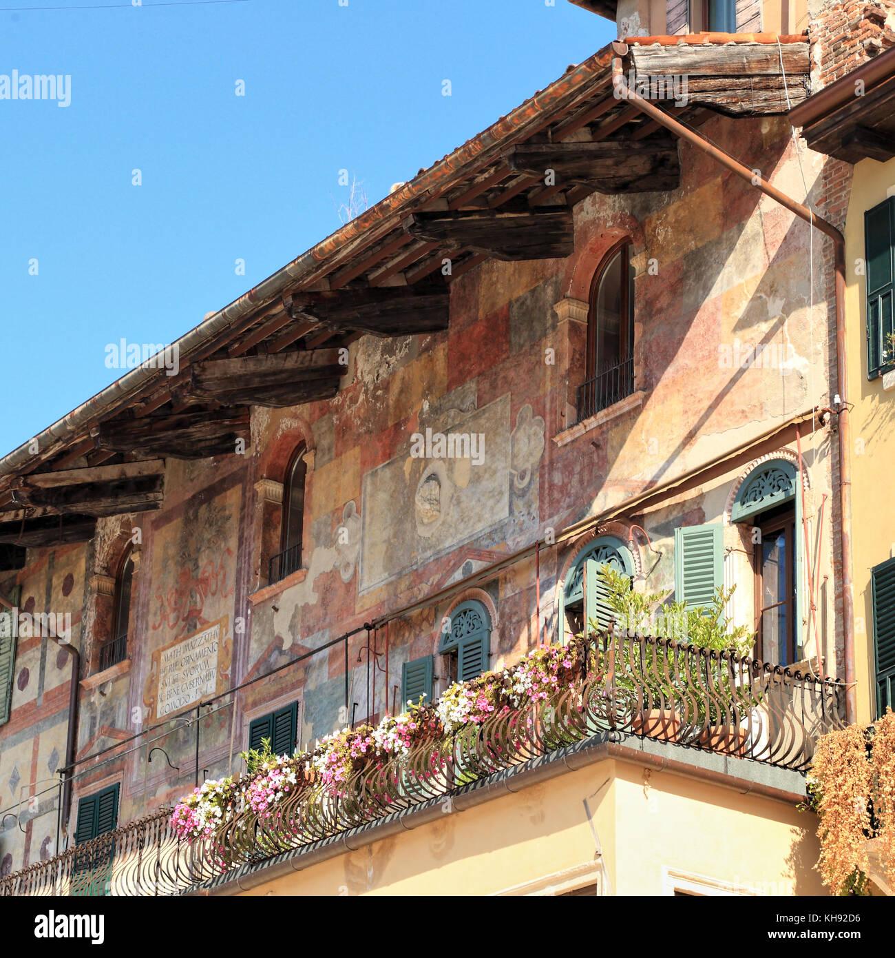 Fresken in der Casa Mazzanti, Piazza delle Erbe, Verona Stockbild