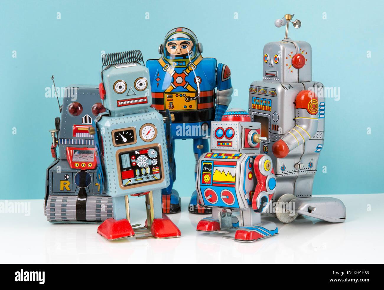 Gruppe von retro Zinn Uhrwerk Roboter Stockbild