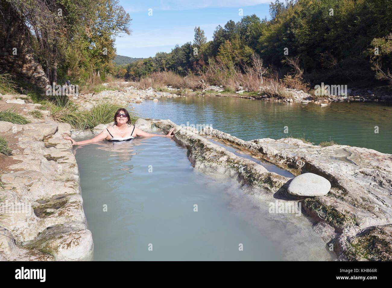 Bagni di Petriolo, die heißen Quellen auf dem Fluss Farma, Bezirk ...