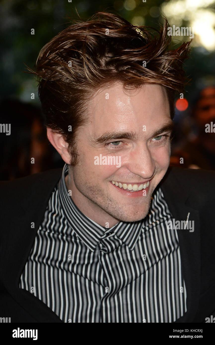"""New York, NY - August 8: Robert Pattinson """"gute Zeit"""" New York Premiere an der sva Theater am 8. August 2017 in Stockfoto"""