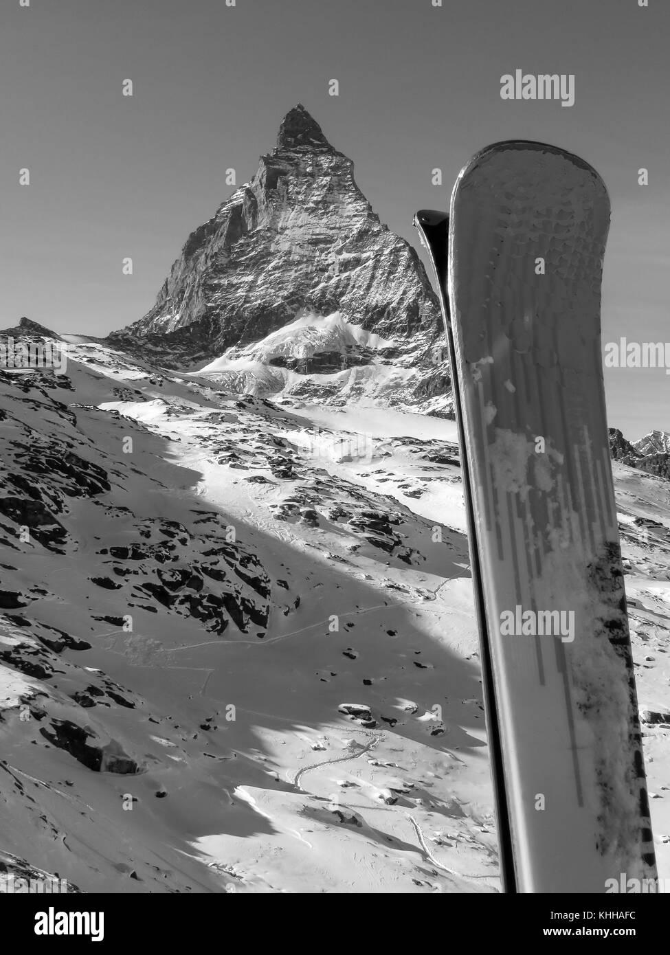 Zermatt Matterhorn Gipfel Gletscher Skigebiet in der Schweiz Schweizer Alpen Berge Schnee Winter Reisen Lage Ski Stockbild