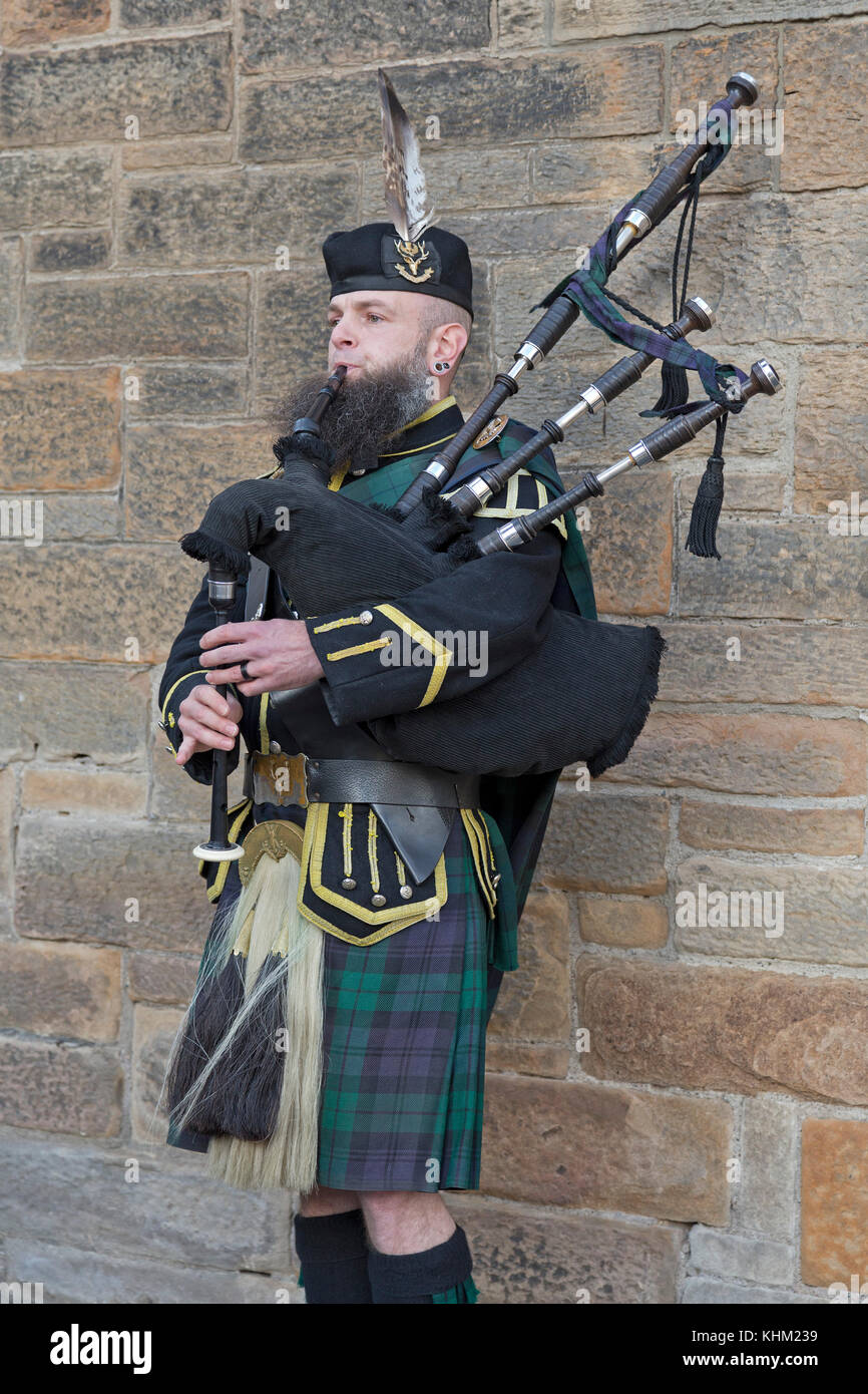 Piper, Castle Hill, Edinburgh, Schottland, Großbritannien Stockbild