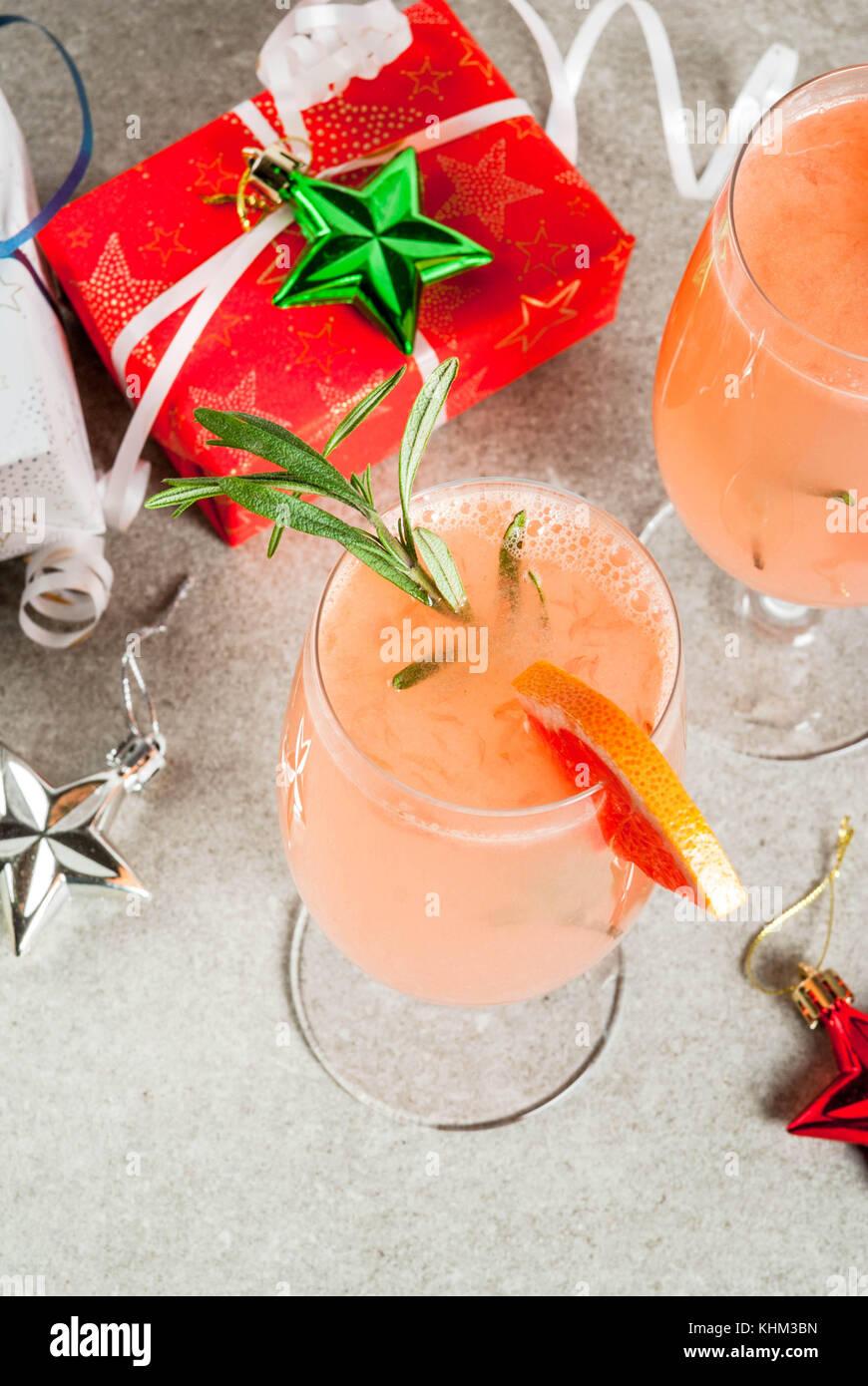 Weihnachtsfeier Geschichte.Festliches Getränk Für Weihnachtsfeier Mimosa Cocktail Mit Sekt