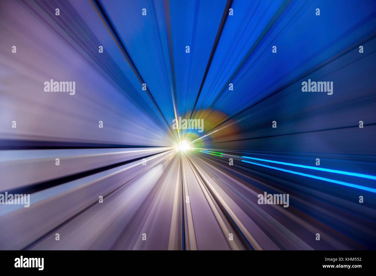 Geschwindigkeit unscharf Bewegung der Bahn oder U-Bahn Zug in Bewegung im Tunnel. Stockbild