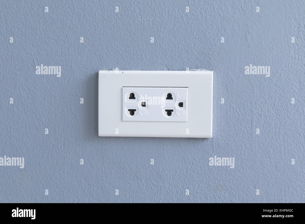 Electrical Plugs In Outlet Stockfotos & Electrical Plugs In Outlet ...