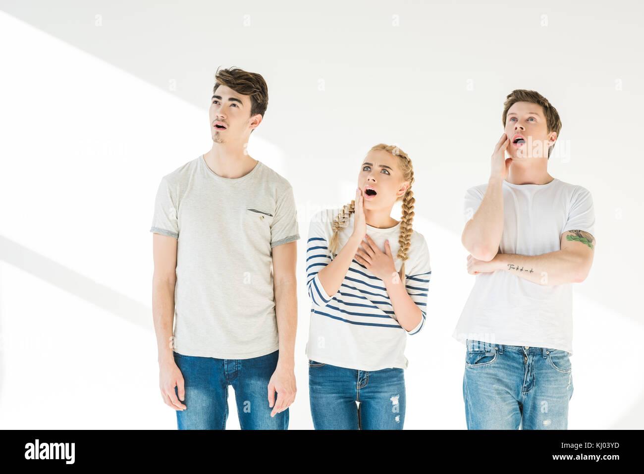 Junge schockiert Freunde Stockbild