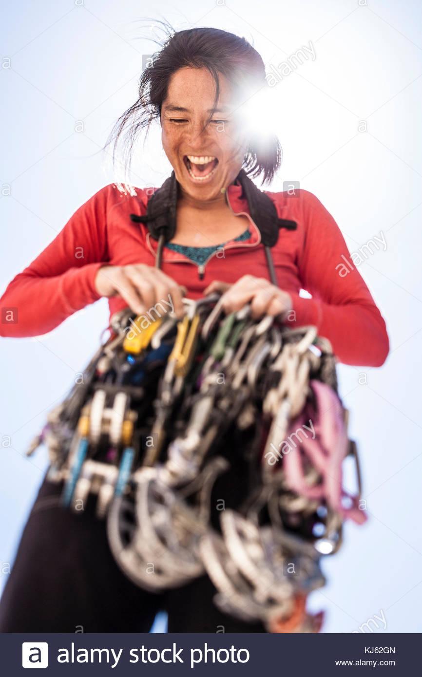 Kletterer glücklich erhalten ihr Gang bereit Stockbild
