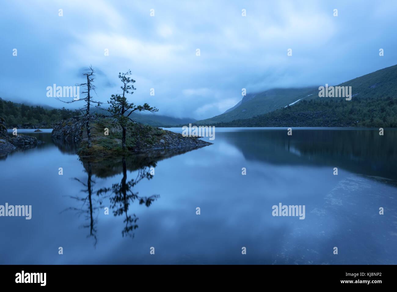 Super abend Landschaft auf innerdalsvatna See Stockbild