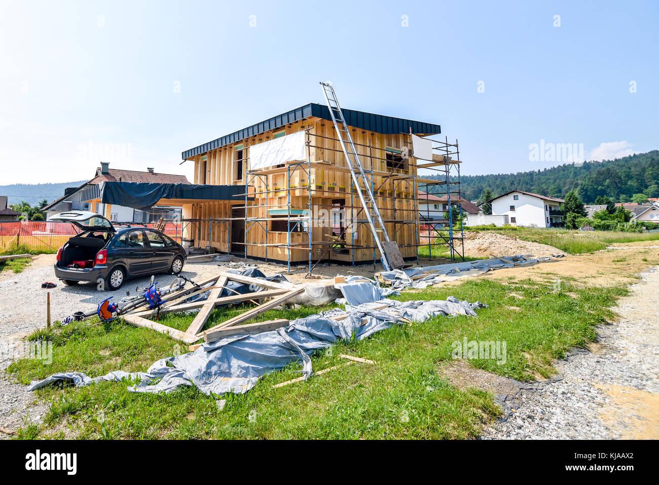 Berühmt Gebäude energieeffizient passive Holzhaus. Baustelle und außen VB29