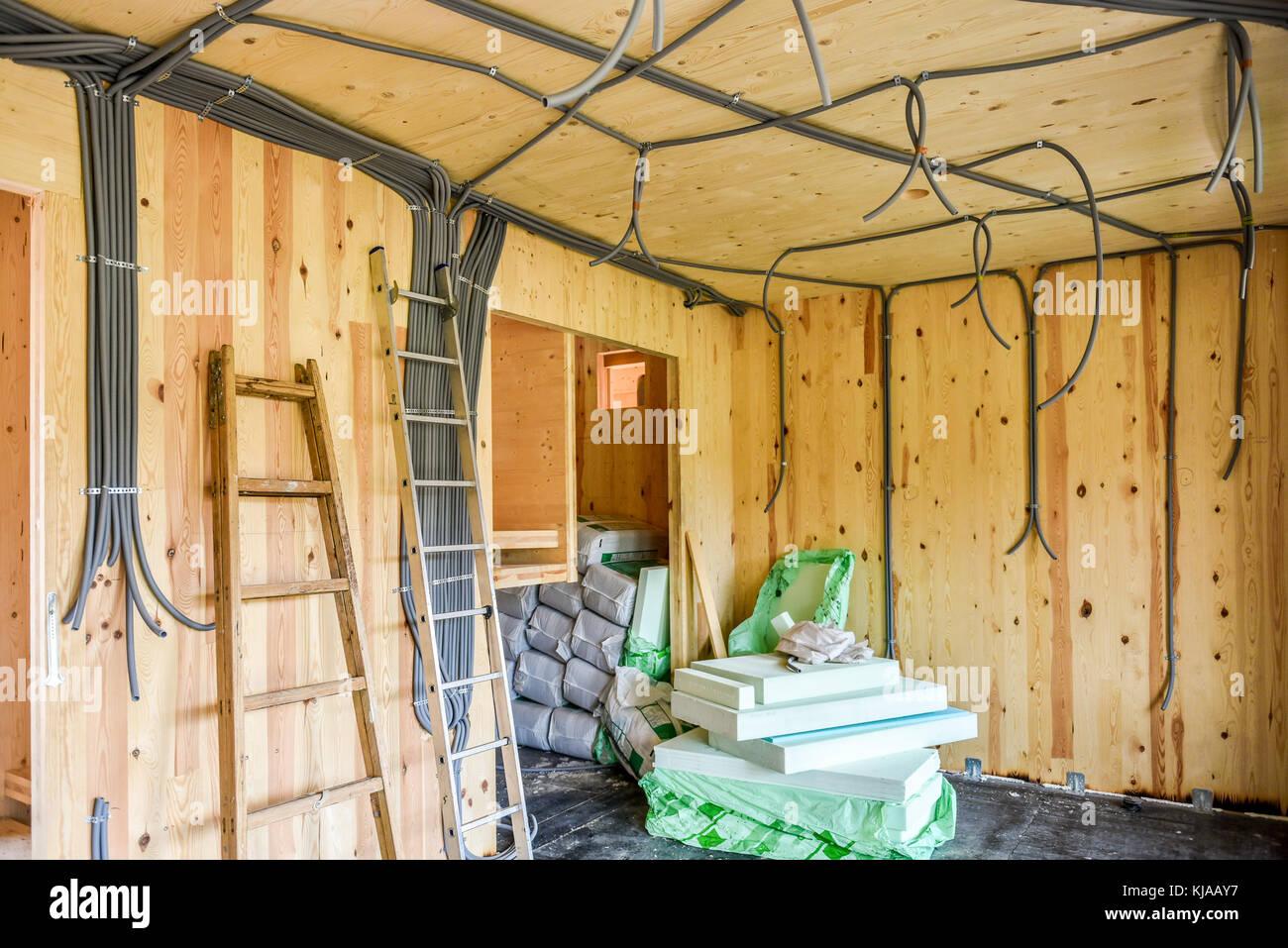Gebäude energieeffizient passive Holzhaus. Baustelle und Interieurs ...