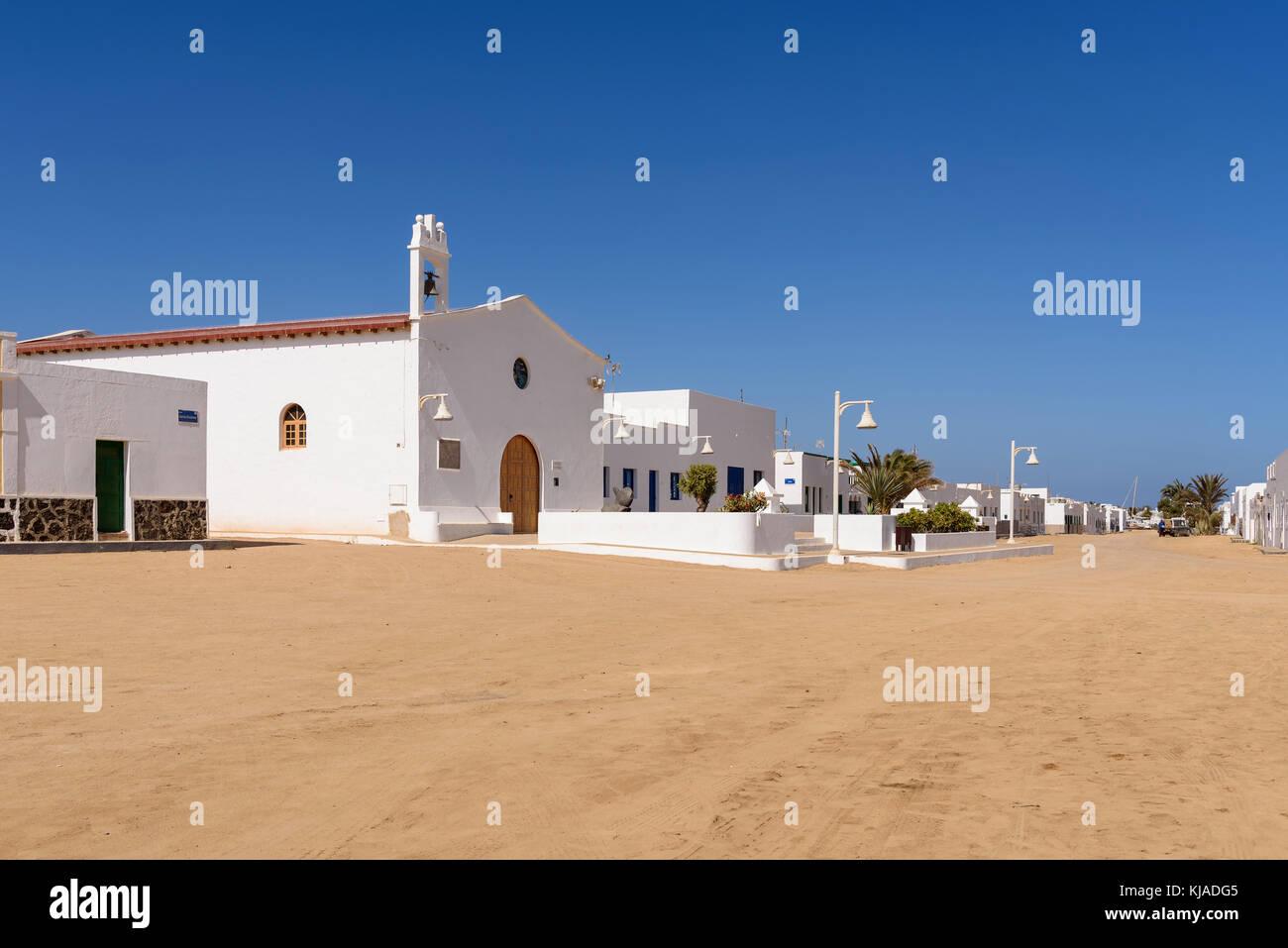 Kirche von Caleta del Sebo auf der Isla Graciosa, Kanarische Inseln, Spanien Stockbild
