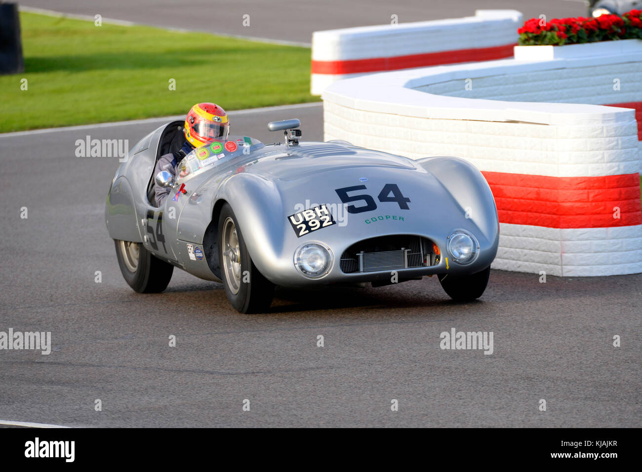 1954 Cooper T33 Jaguar von Chris Ward durch JD Classics racing in der Freddie März Memorial Trophy am Goodwood Stockbild