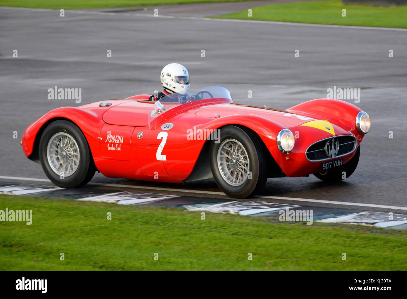 1955 Maserati A6GCS im Besitz und unter der Leitung von Manuel Elicabe racing in Goodwood Revival 2017 angetrieben. Stockbild