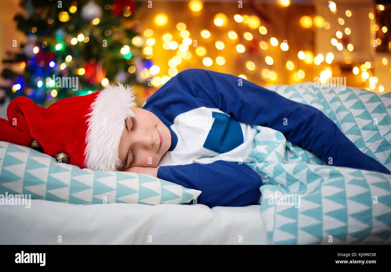Schlaf Weihnachtsgeschenk Stockfotos & Schlaf Weihnachtsgeschenk ...
