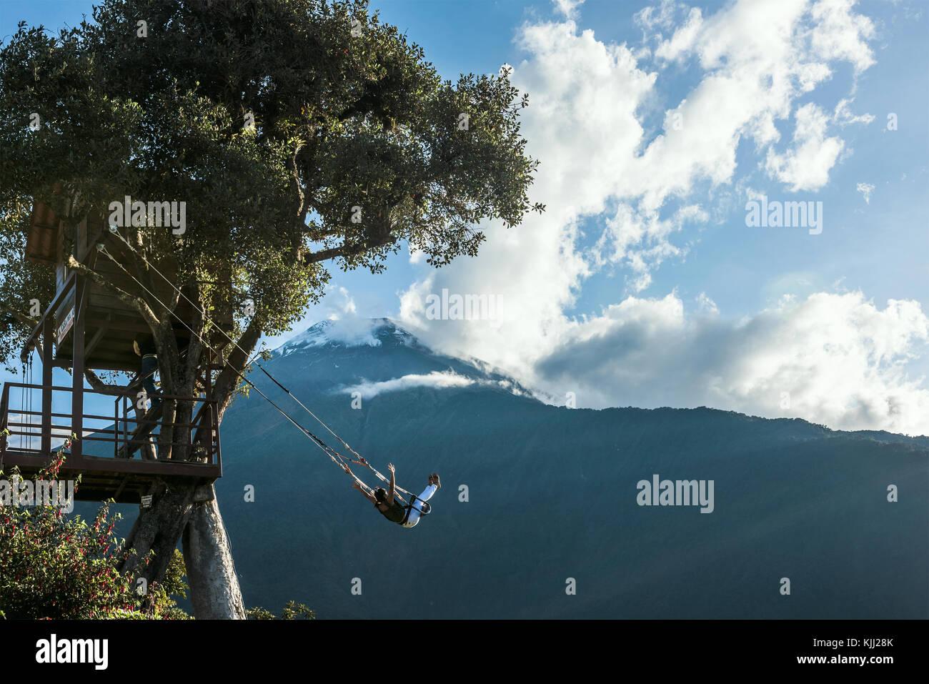 Banos, Ecuador - 22. November 2017: Die Schaukel am Ende der Welt im Casa Del Arbol entfernt, das Tree House in Stockfoto