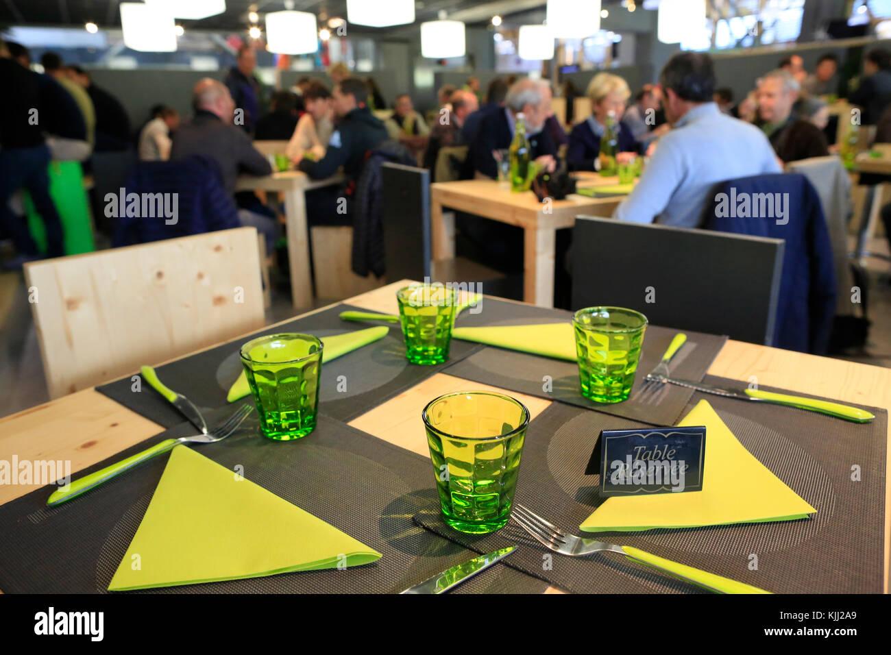 Restaurant. Tabelle vorbehalten. Frankreich. Stockbild