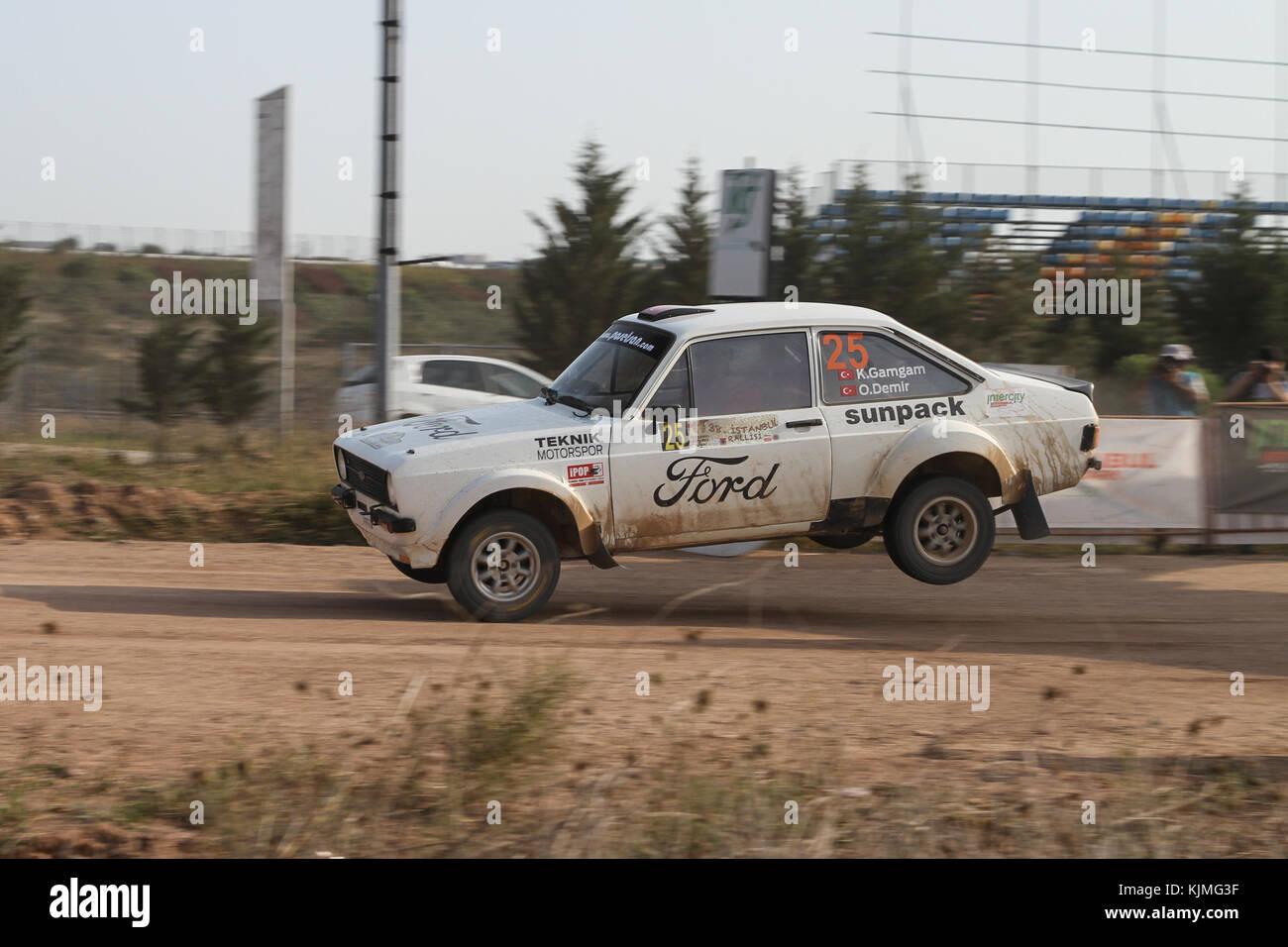 Istanbul, Türkei - 10. September 2017: kemal gamgam Antriebe Ford Escort MKI in isok Istanbul Rallye Stockbild
