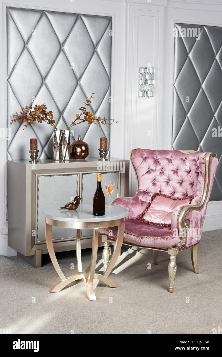 Luxuriöses Interieur Luxuriöse Rosa Samt Sessel Antik Geschnitzte